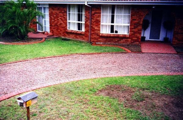 Kwik Kerb Landscape Driveway Borders And Pathway Edging Eurostyle Stamped And Colored